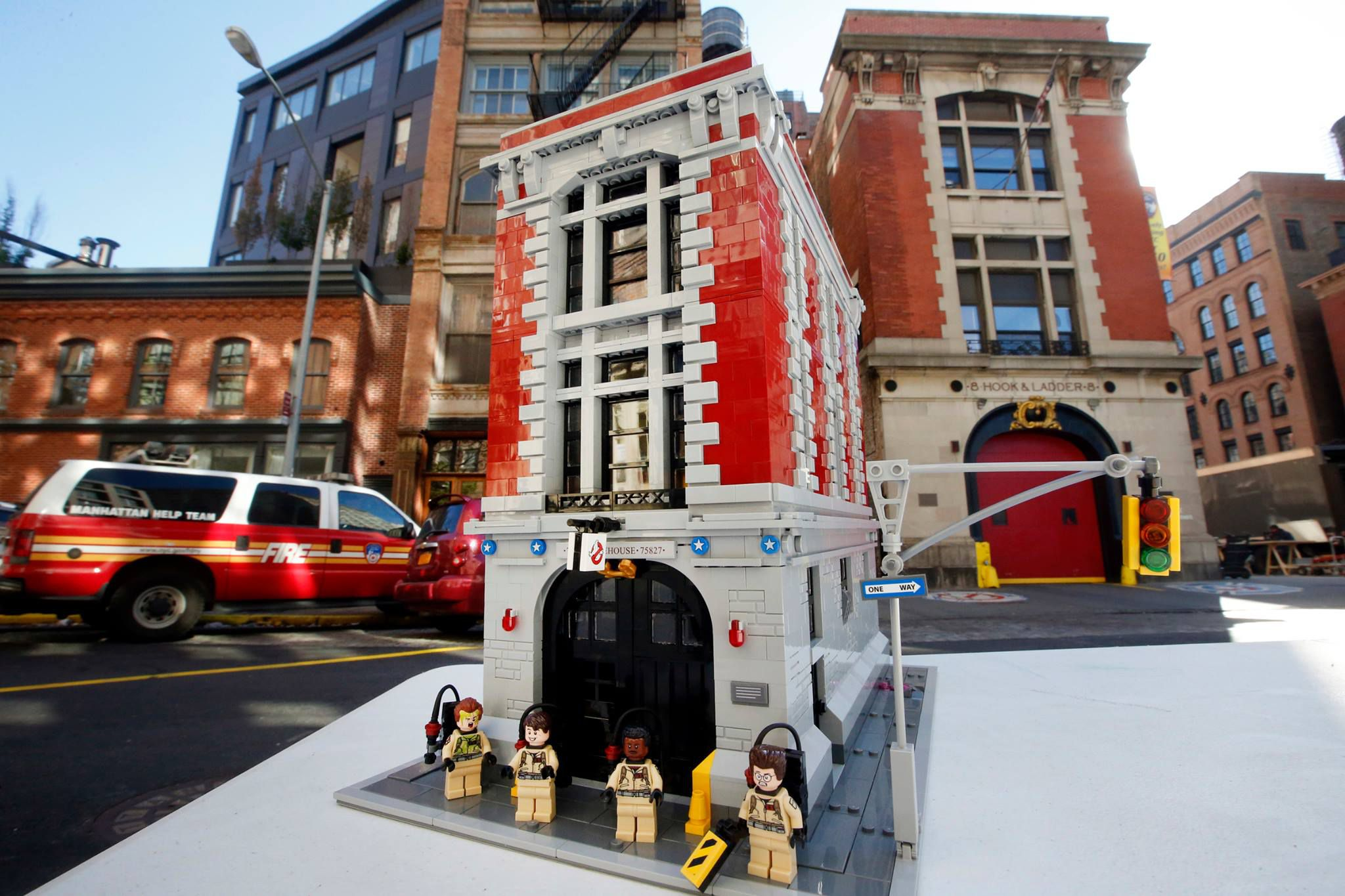 LEGO Ghostbusters 75827 Ghostbusters Feuerwehr-Hauptquartier 75827-Ghostbusters-Firehouse-Headquarters_img04.jpg