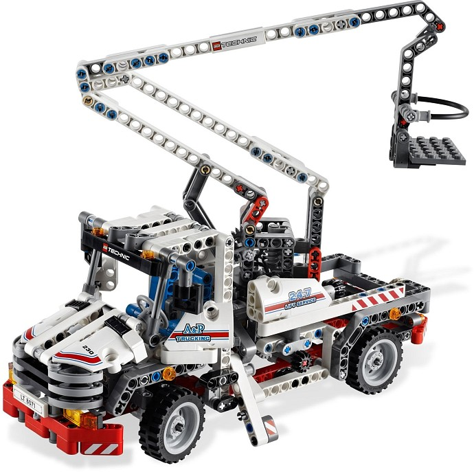 LEGO Technic 8071 Bucket Truck