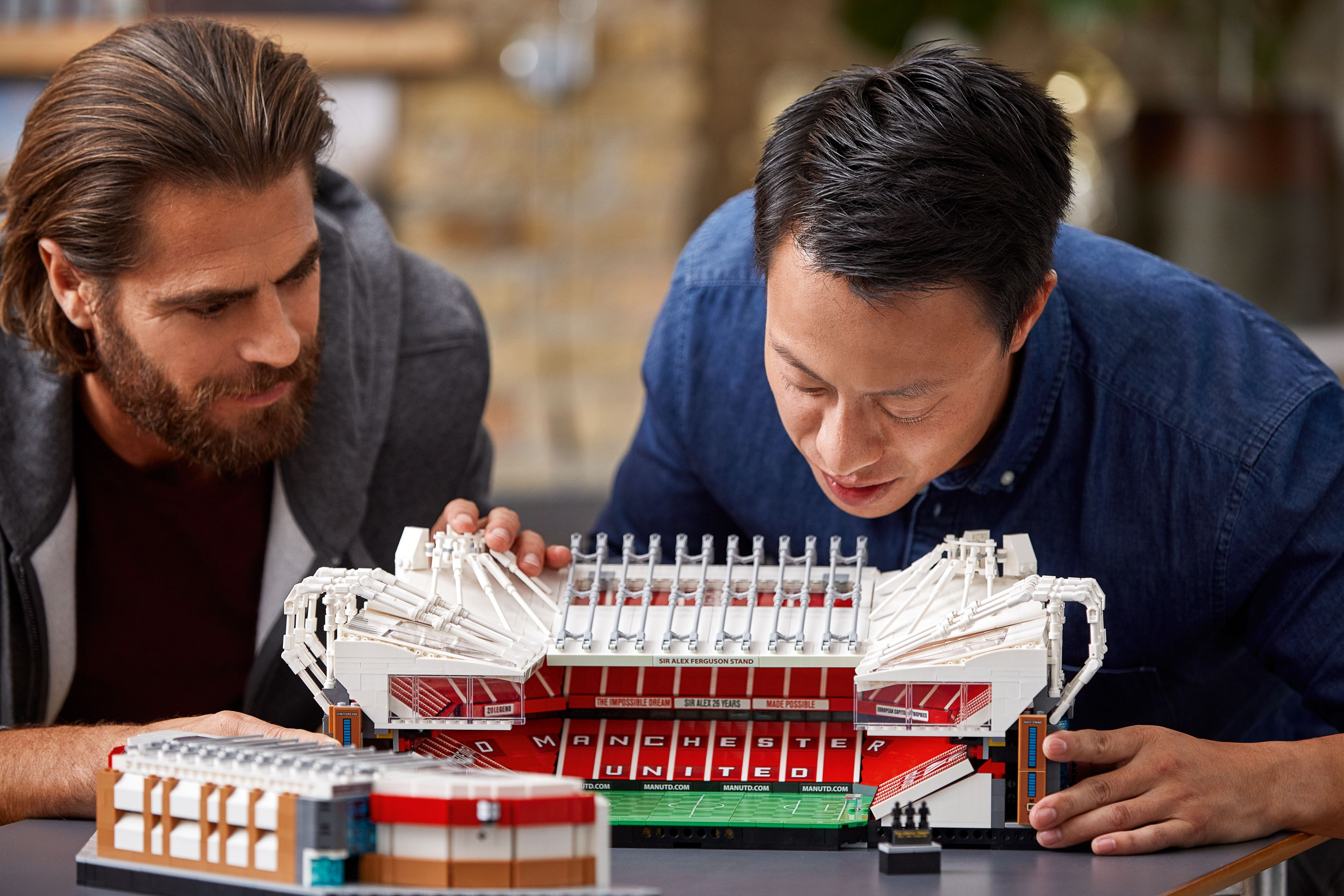 LEGO Advanced Models 10272 Old Trafford - Manchester United LEGO_10272_alt13.jpg