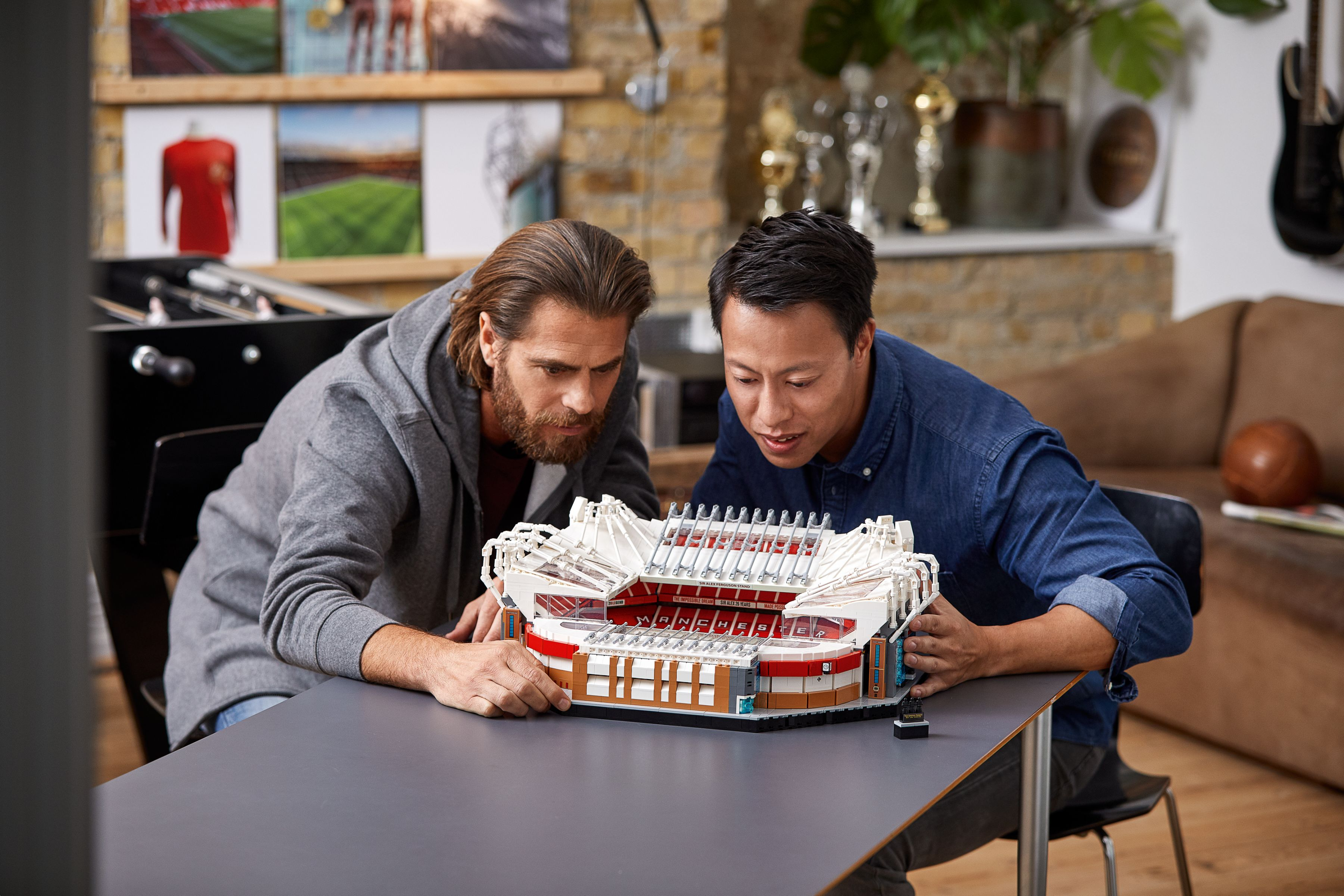 LEGO Advanced Models 10272 Old Trafford - Manchester United LEGO_10272_alt14.jpg