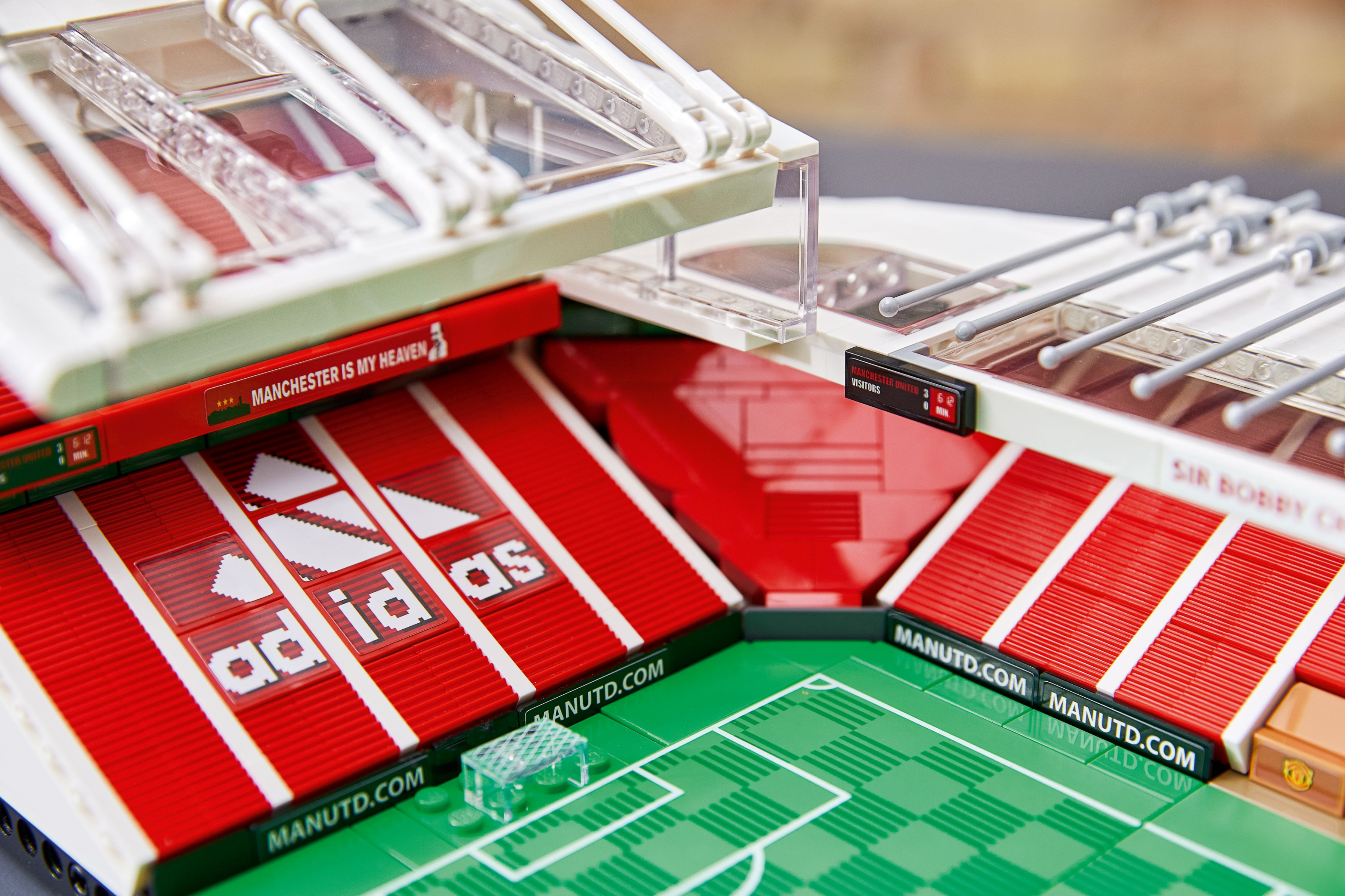 LEGO Advanced Models 10272 Old Trafford - Manchester United LEGO_10272_alt2.jpg