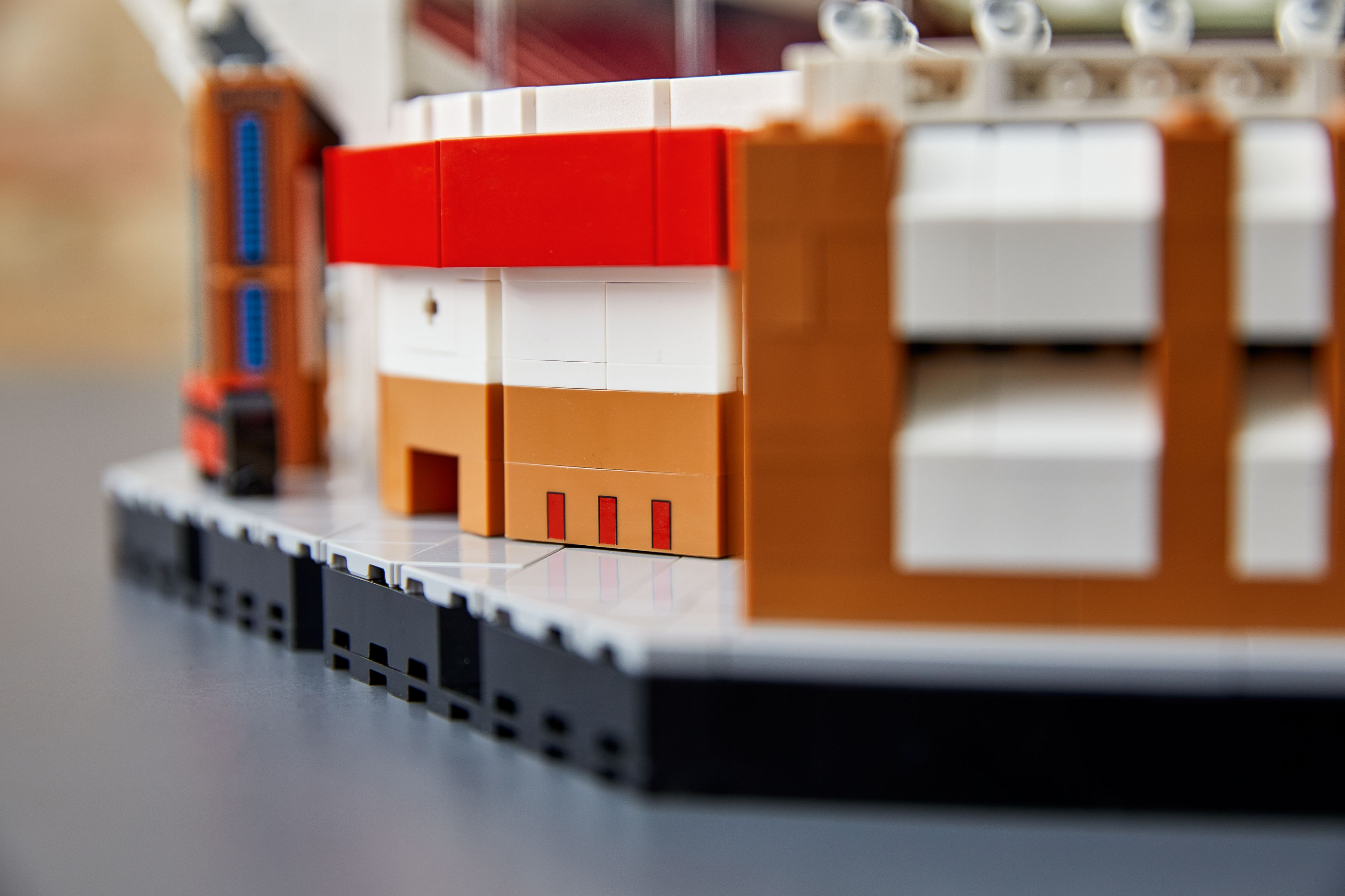 LEGO Advanced Models 10272 Old Trafford - Manchester United LEGO_10272_alt7.jpg