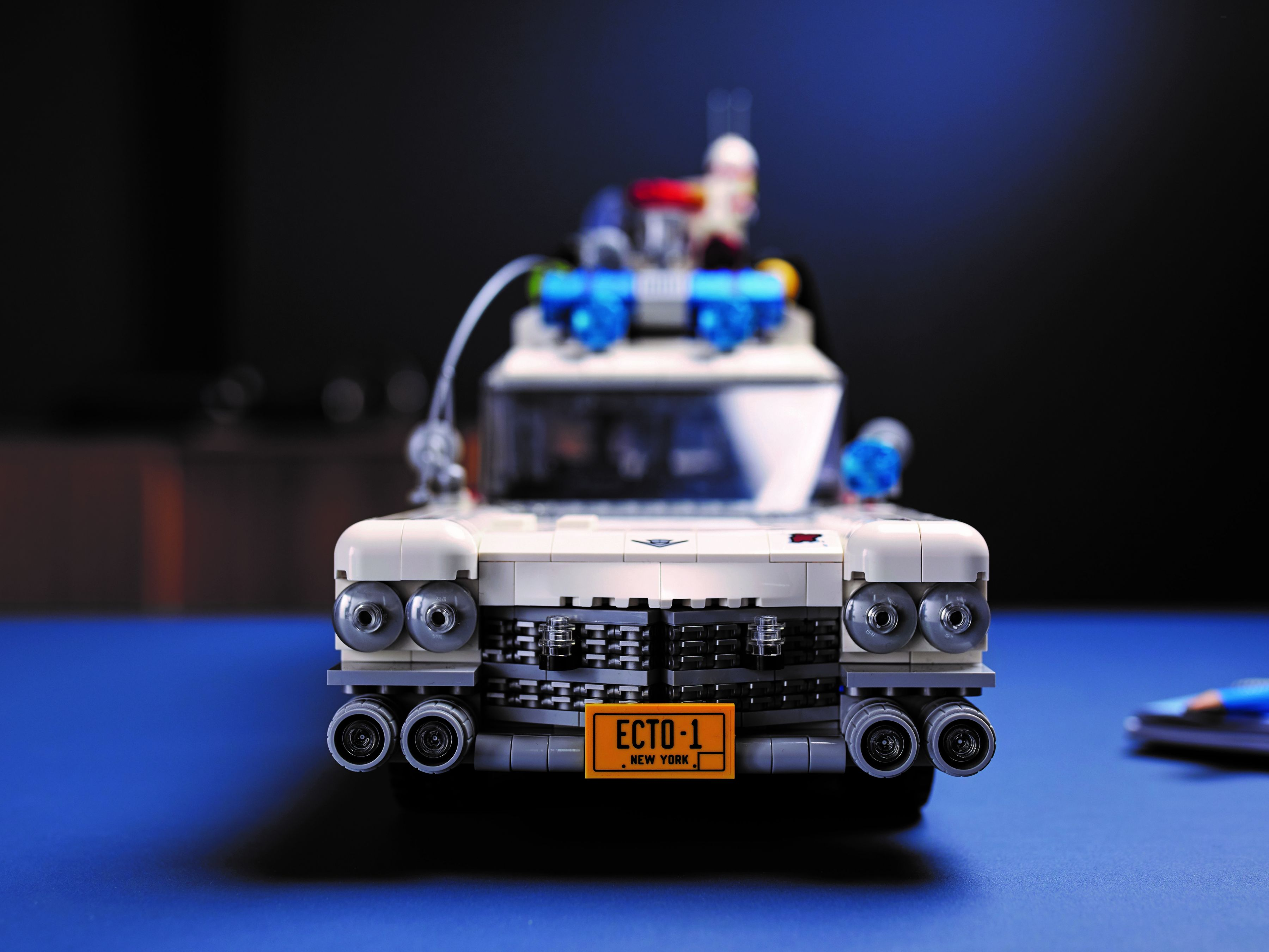 LEGO Advanced Models 10274 Ghostbusters™ ECTO-1 LEGO_10274_alt17.jpg