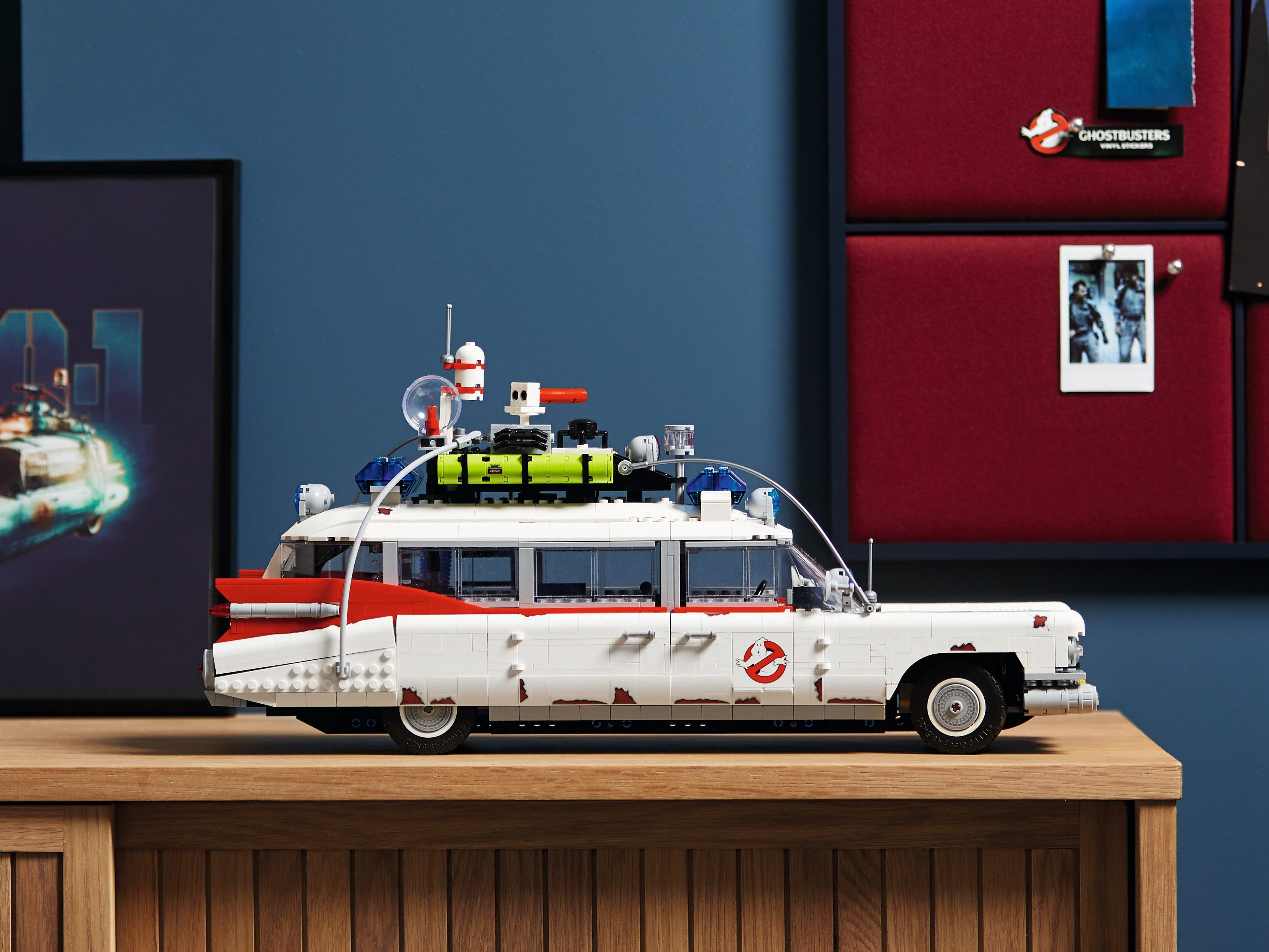 LEGO Advanced Models 10274 Ghostbusters™ ECTO-1 LEGO_10274_alt23.jpg