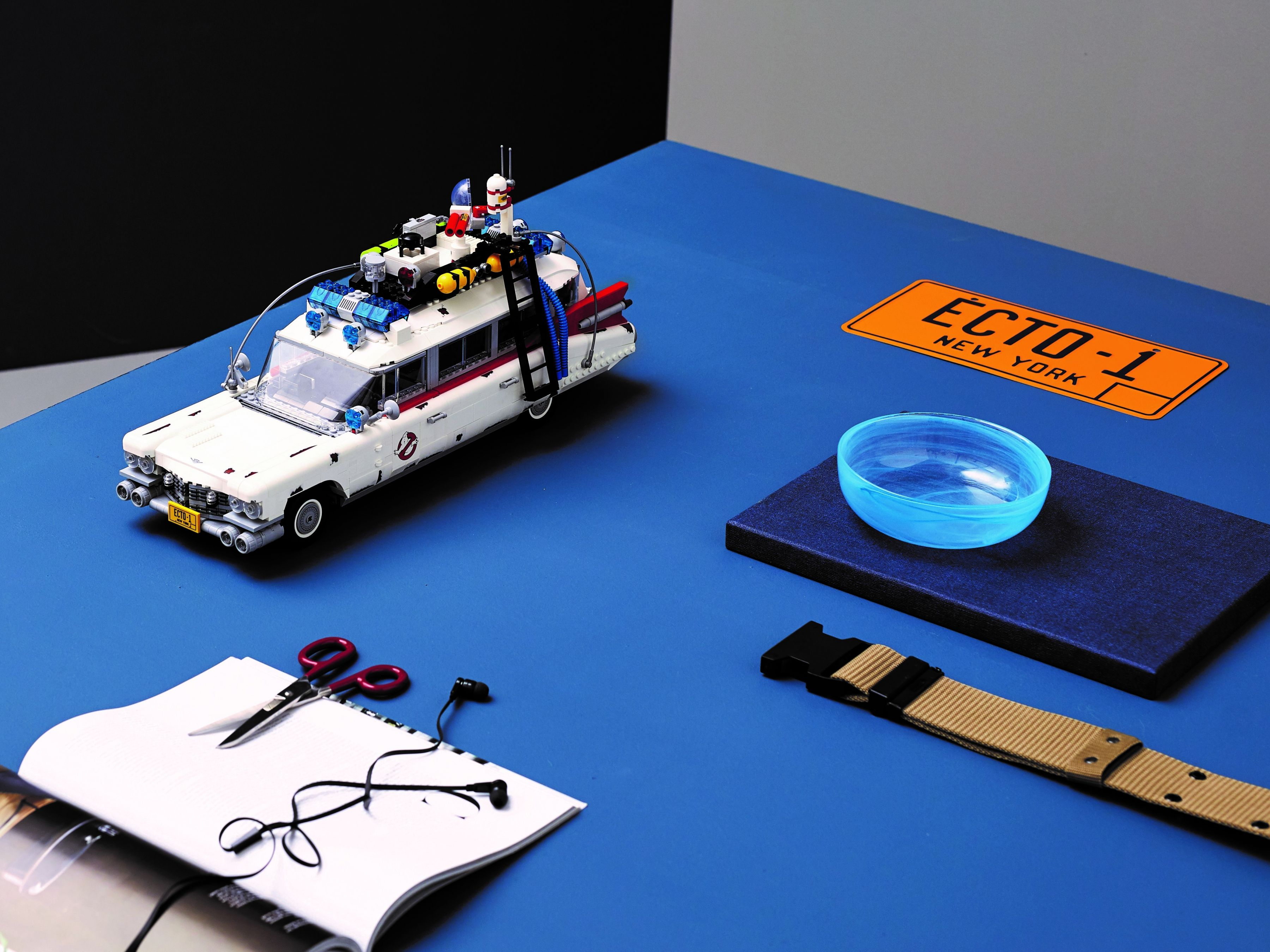 LEGO Advanced Models 10274 Ghostbusters™ ECTO-1 LEGO_10274_alt24.jpg