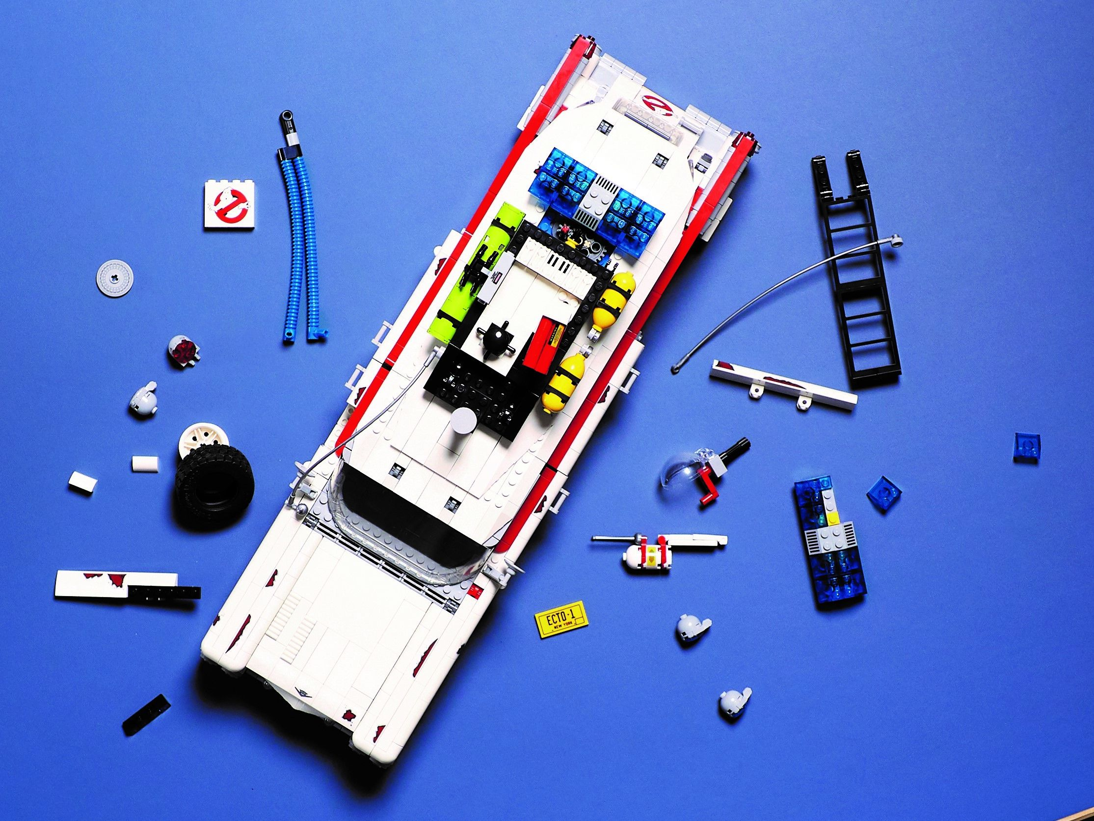 LEGO Advanced Models 10274 Ghostbusters™ ECTO-1 LEGO_10274_alt27.jpg