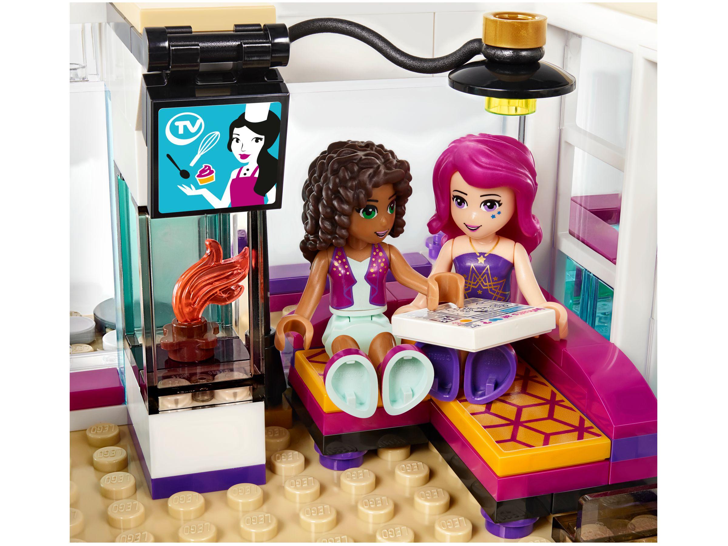 livis popstar villa 41135 lego friends 2016 im. Black Bedroom Furniture Sets. Home Design Ideas