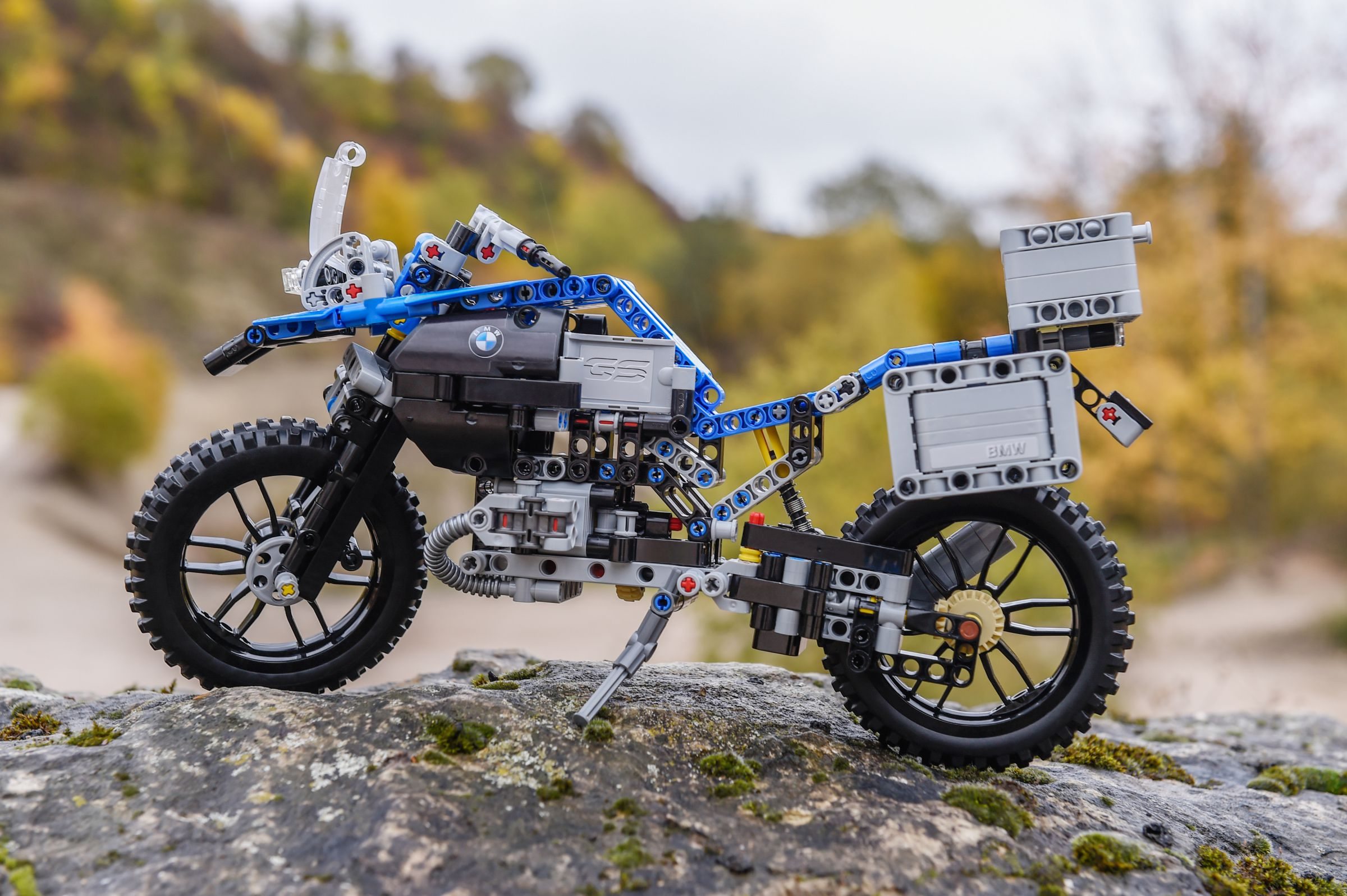 LEGO Technic 42063 BMW R 1200 GS Adventure LEGO_42063_bmw-R-1200-GS-Adventure_img11.jpg
