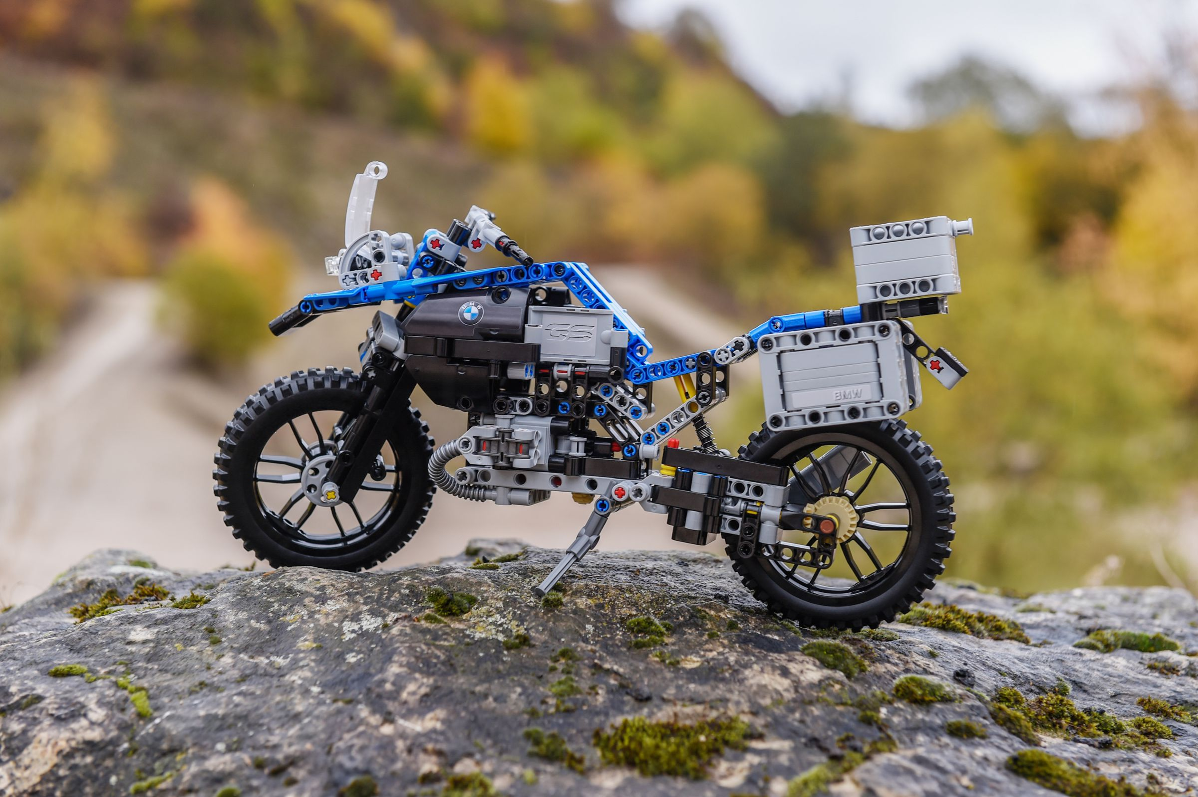 LEGO Technic 42063 BMW R 1200 GS Adventure LEGO_42063_bmw-R-1200-GS-Adventure_img6.jpg