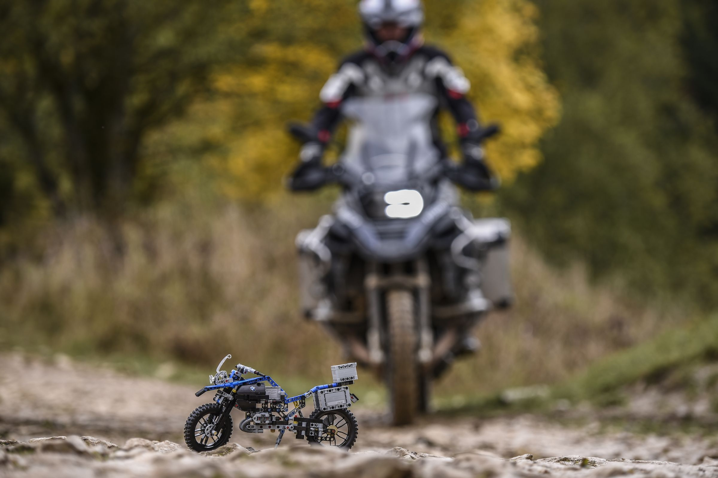 LEGO Technic 42063 BMW R 1200 GS Adventure LEGO_42063_bmw-R-1200-GS-Adventure_img8.jpg