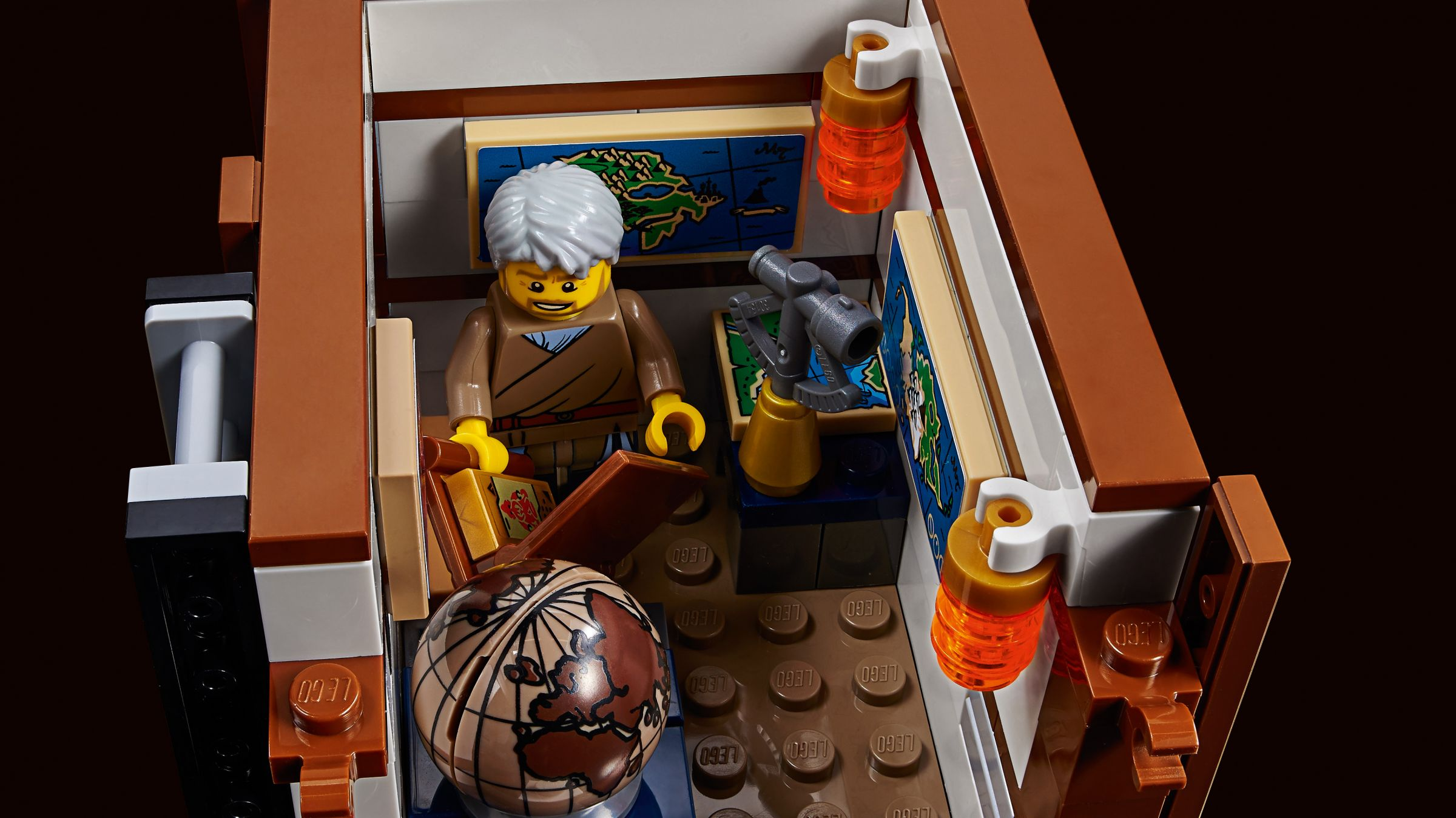 LEGO The LEGO Ninjago Movie 70657 Ninjago City Hafen LEGO_70657_Ninjago_City_Hafen_img09.jpg