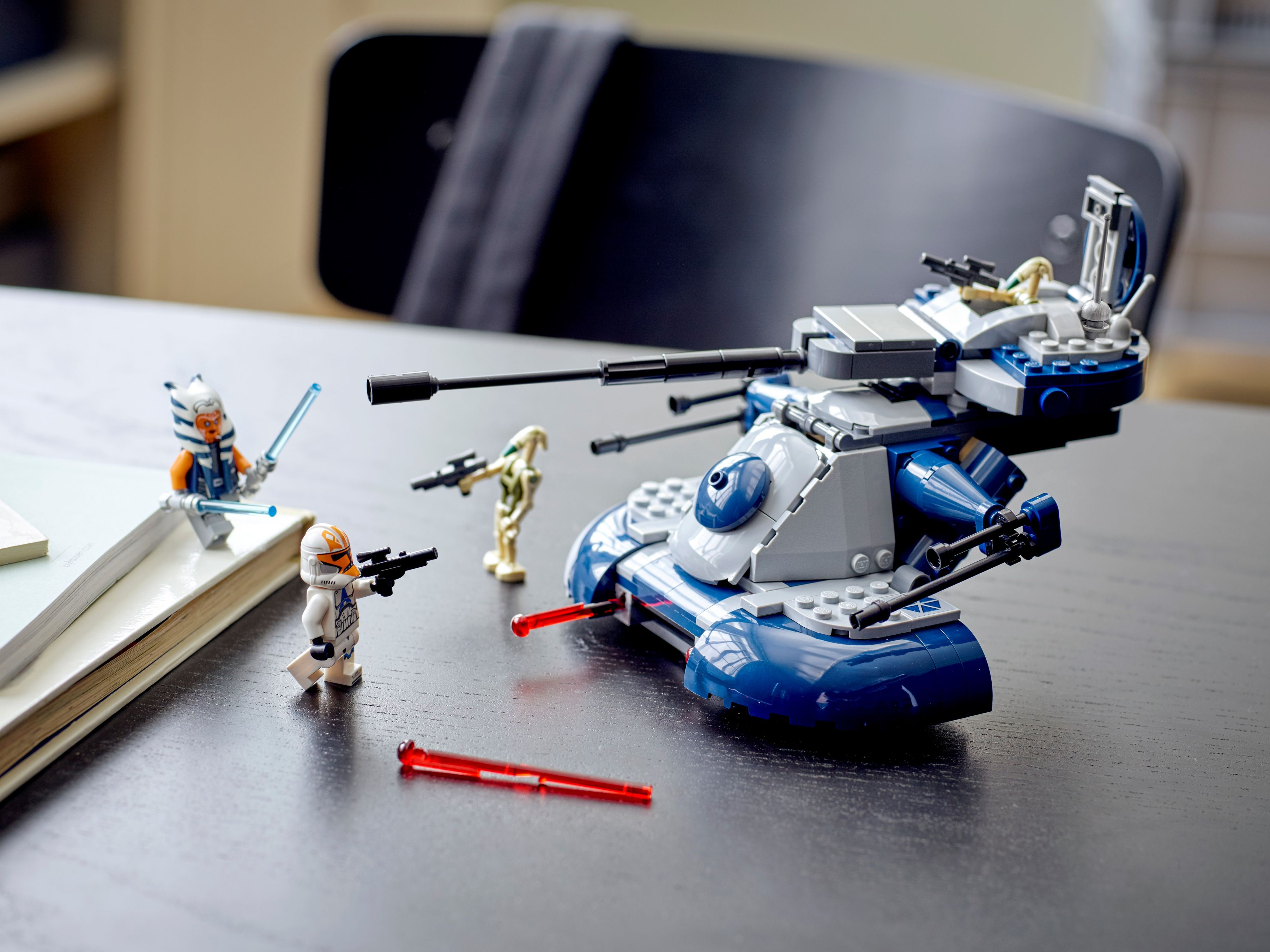 LEGO Star Wars 75283 Armored Assault Tank (AAT™) LEGO_75283_alt8.jpg