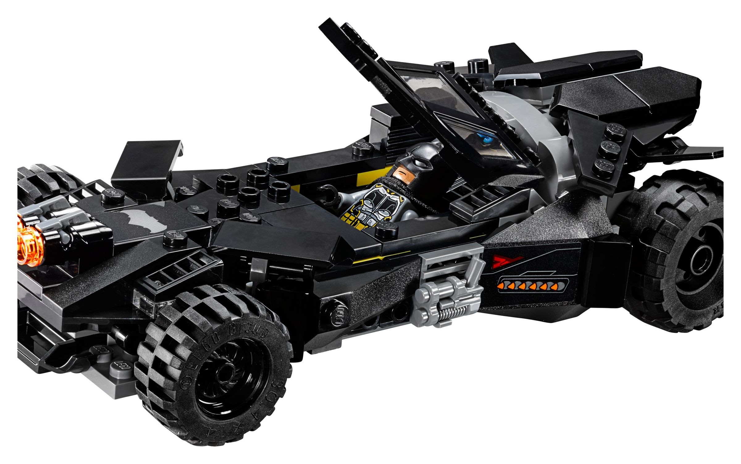 LEGO Super Heroes 76087 Flying Fox: Batmobil-Attacke aus der Luft LEGO_76087_alt12.jpg