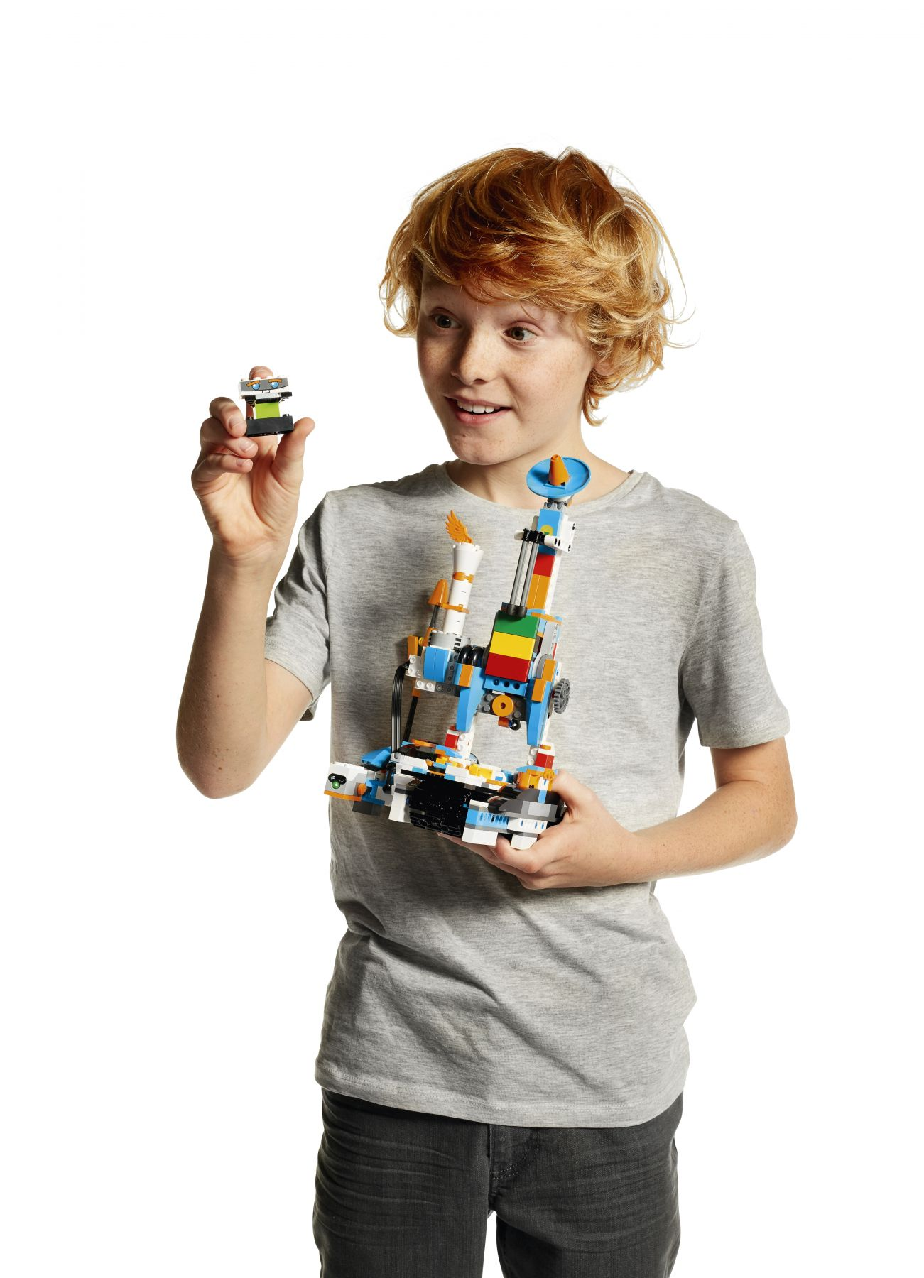 LEGO BOOST 17101 Creative Toolbox LEGO_BOOST_WHITE_03_V148.jpg