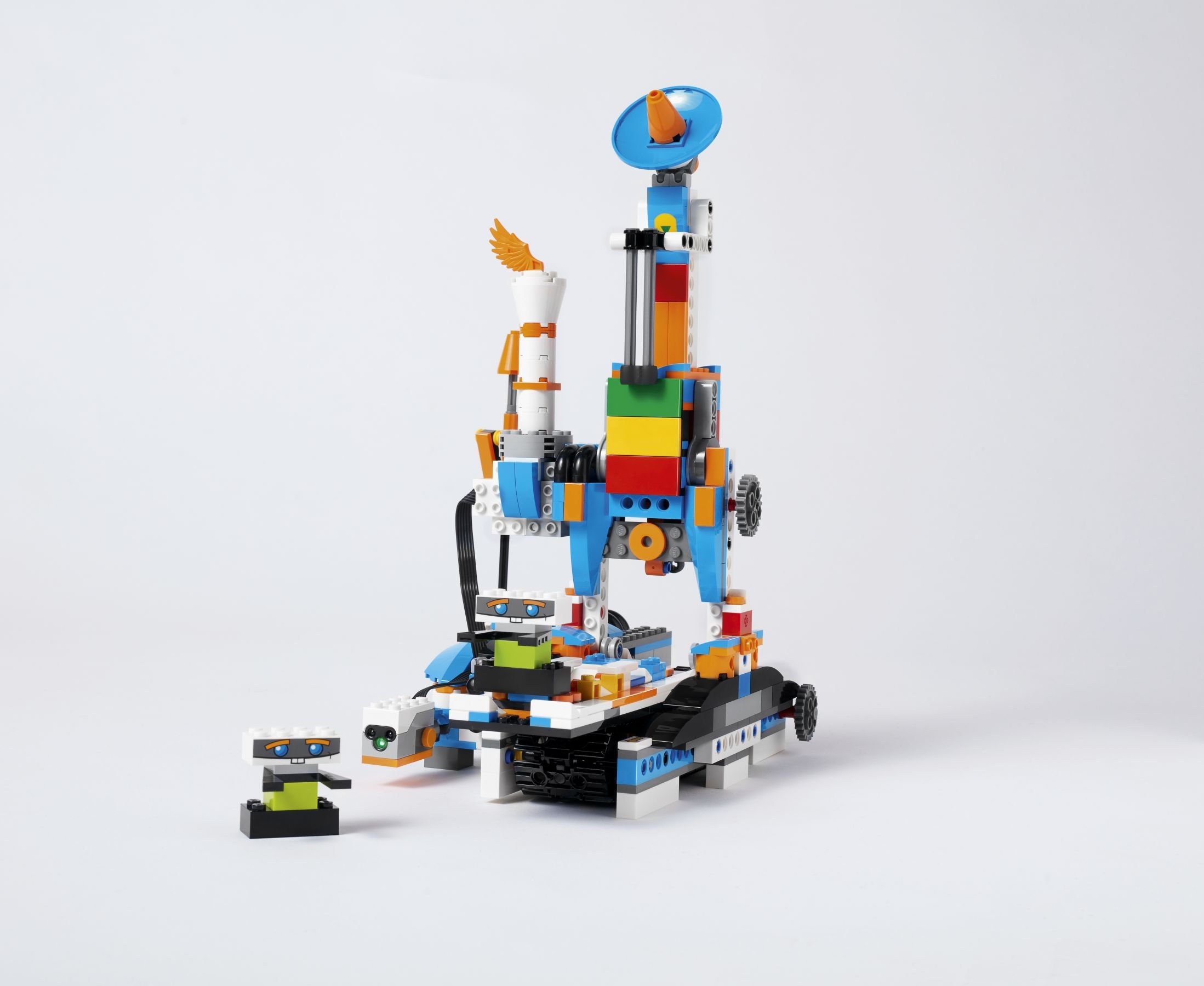LEGO BOOST 17101 Creative Toolbox LEGO_BOOST_WHITE_FACTORY_V017.jpg