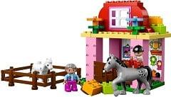 LEGO Duplo 10500 Pferdestall - © 2013 LEGO Group