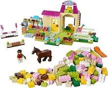 LEGO Juniors 10674 Große Steinebox Mädchen Ponyhof - © 2014 LEGO Group