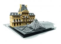 LEGO Architecture 21024 Louvre - © 2015 LEGO Group
