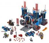 LEGO Nexo Knights 70317 Fortrex – Die rollende Festung - © 2016 LEGO Group