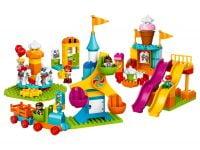 LEGO Duplo 10840 Großer Jahrmarkt - © 2017 LEGO Group