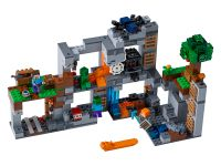 LEGO Minecraft 21147 Abenteuer in den Felsen - © 2018 LEGO Group