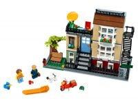 LEGO Creator 31065 Stadthaus an der Parkstraße - © 2017 LEGO Group