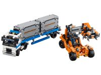 LEGO Technic 42062 Container-Transport - © 2017 LEGO Group