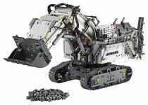 LEGO Technic 42100 Liebherr Bagger R 9800 - © 2019 LEGO Group