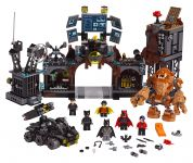 LEGO Super Heroes 76122 Clayface™ Invasion in die Bathöhle - © 2019 LEGO Group