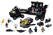 LEGO Super Heroes 76160 Mobile Batbasis - © 2020 LEGO Group